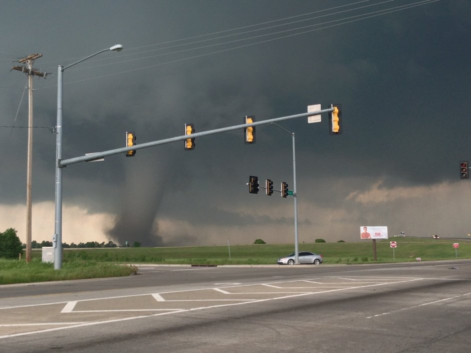 Moore, Oklahoma Tornado on Ground